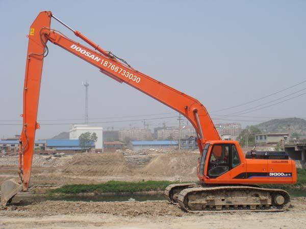 长臂挖掘机